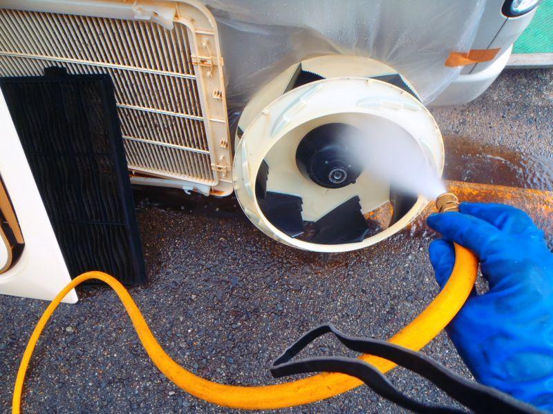 ダイキン(DAIKIN)業務用エアコン修理 エラーコード・A3 天カセ4方向タイプ RZYP160H9  飲食店設置