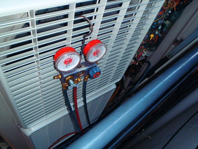 ダイキン(DAIKIN)業務用エアコン修理 エラーコードー・E4 飲食店設置